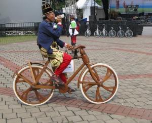 sepeda-kayu